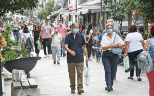 Most people accept masks, 42 pct say they will get the Covid-19 jab, survey shows