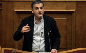 Tsakalotos claims Greece at bottom of pile in Covid spending