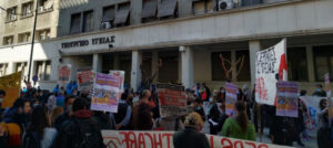 "Greek Doctors Protest ""Suffocating"" Conditions in Covid-19 Wards"